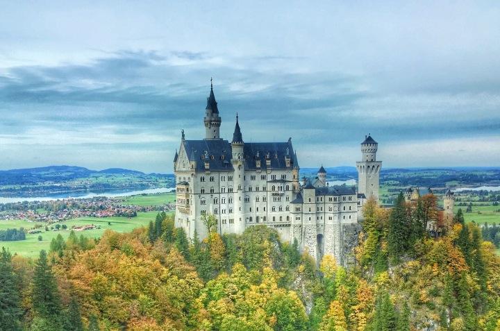 Schloss Neuschwanstein: A Dream ComeTrue!